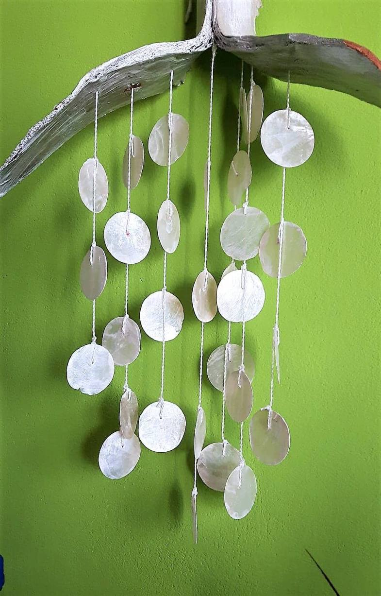 Palm leaf and mother of pearl shells 40x55cm
