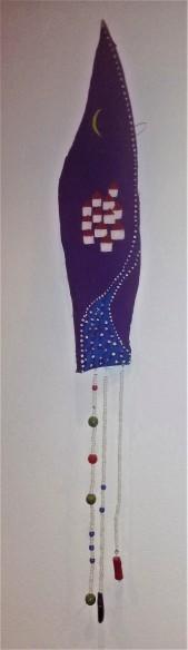 21 painted palm leaf & beads 10x65cm